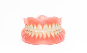 Set of complete dentures